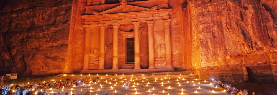 Petra, ciudad tallada en el tiempo